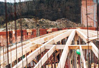 Realizzazione tettoie e portici